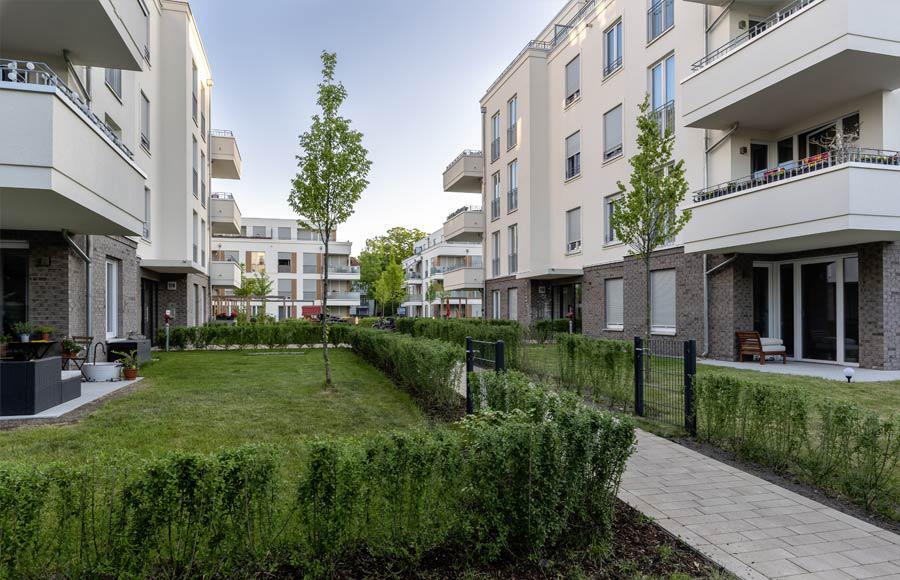 Villen am Filmpark Babelsberg - Terrasse und Privatgarten einer Erdgeschosswohnung in einer Stadtvilla