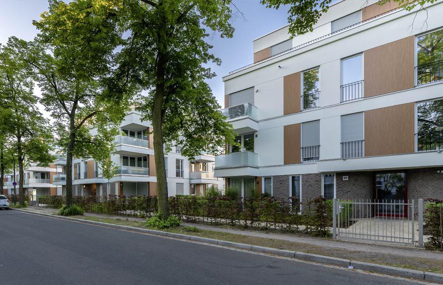 Villen am Filmpark Babelsberg - Blick von der Stahnsdorfer Straße auf die Stadtvillen